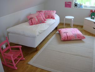 lastenhuone-pink2
