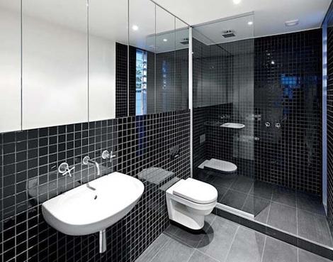 kylpyhuone-mustalaatta