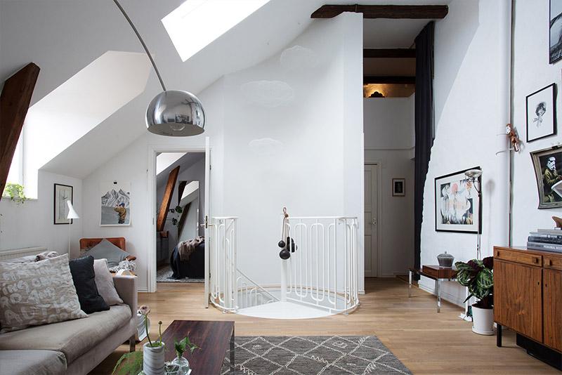 kattohuoneisto-portaikko