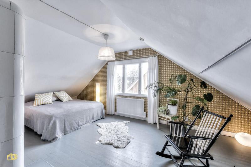 vanhapuutalo-kattohuone