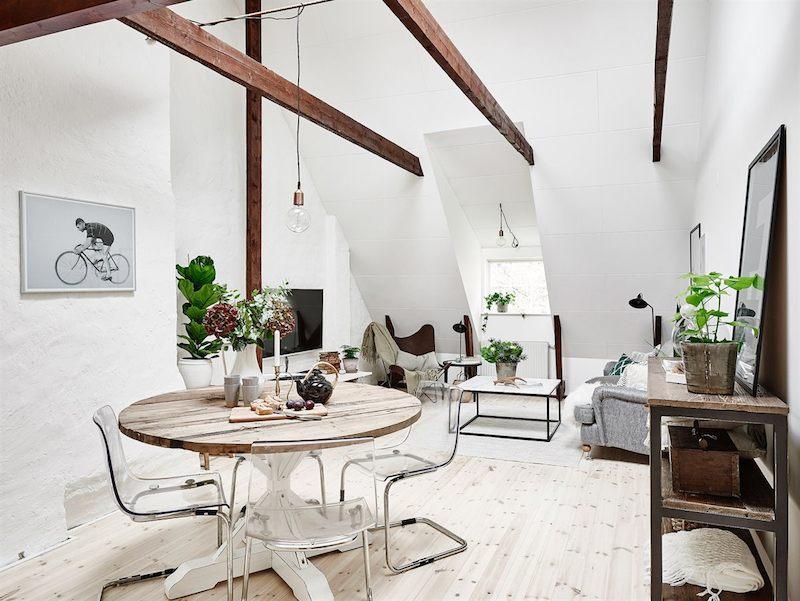 kattohuoneisto-valkoiset-seinat