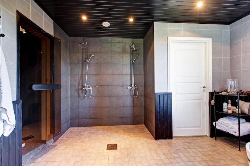 omakotitalo-kylpyhuone