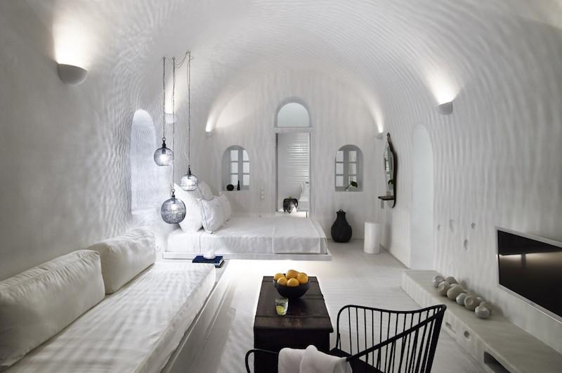 cave-suite-santorini-4