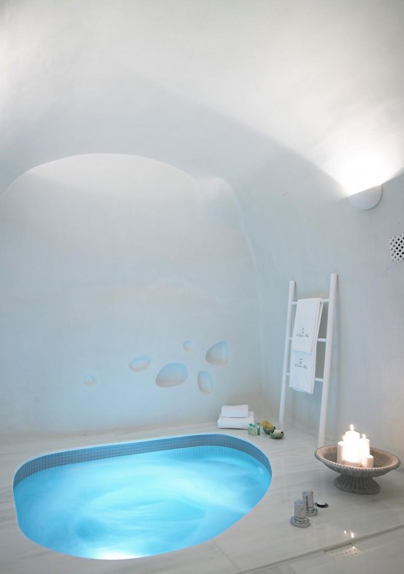 cave-suite-santorini-5