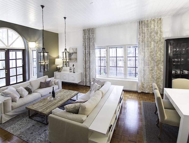 omakotitalo-sisustus-olohuone-sohva