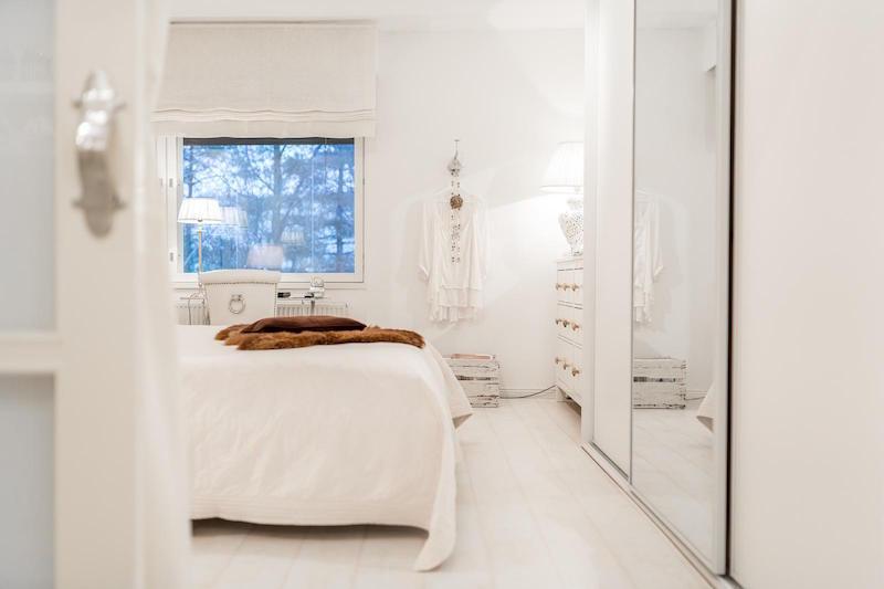 vaalea-sisustus-makuuhuone