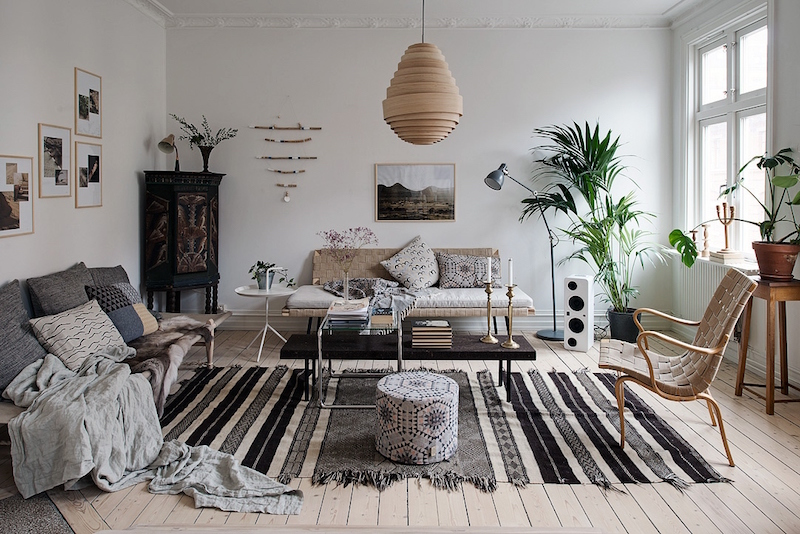 olohuone-puuta-ja-valkoista