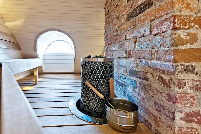 puutalo-koti-sauna-tiiliseina