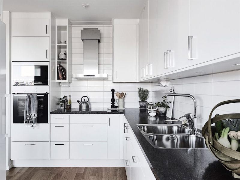 keittiokaapit-sisustus-puu-valkoinen