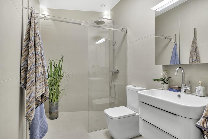 kylpyhuone-hienostunut-sisustus