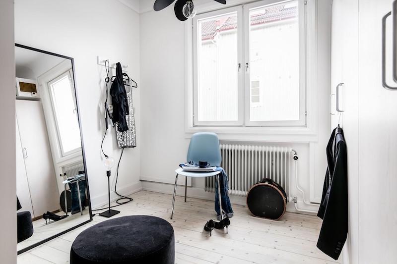 pukeutumishuone-sisustus-tunnetta-ja-varia