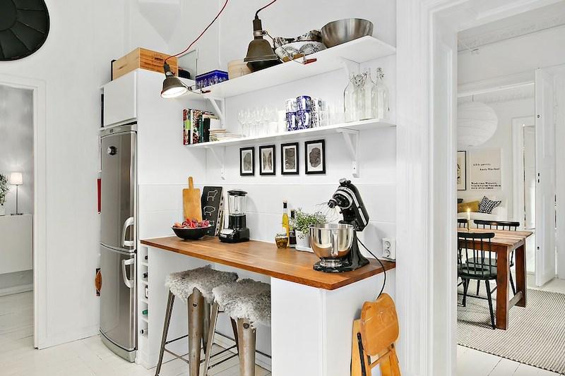 keittion-tyotasot-valkoiset-puulattiat