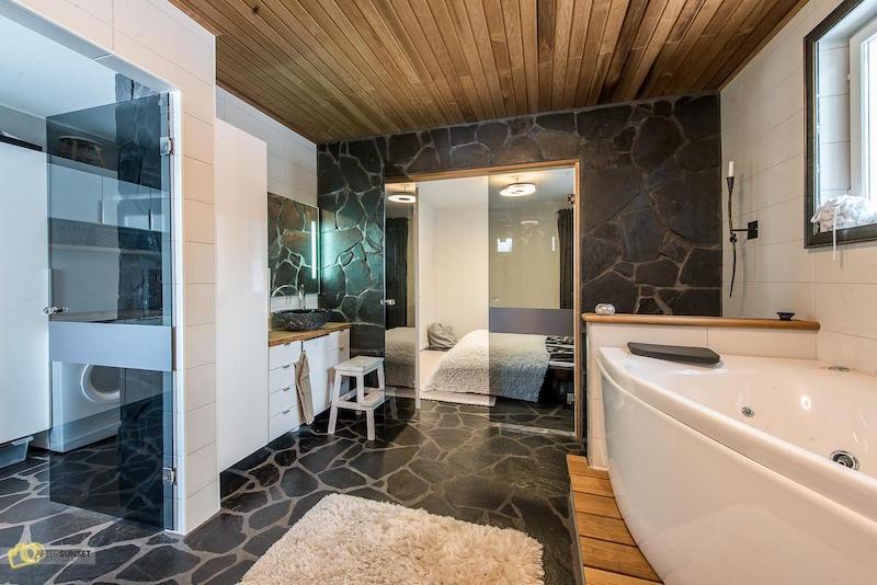 kylpyhuone-amme-omakotitalo-moderni-sisustus