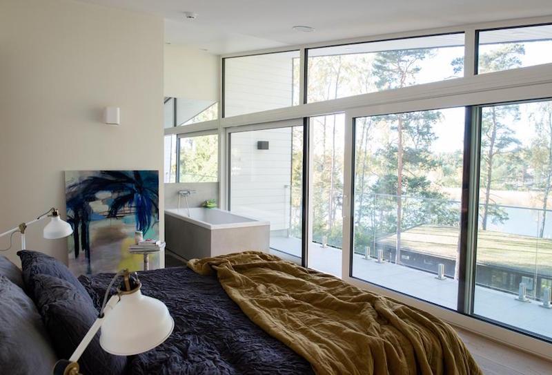 makuuhuone-omakotitalo-meren-rannalla