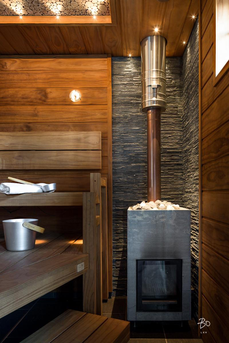 moderni-sauna-luksusta-meren-aarella