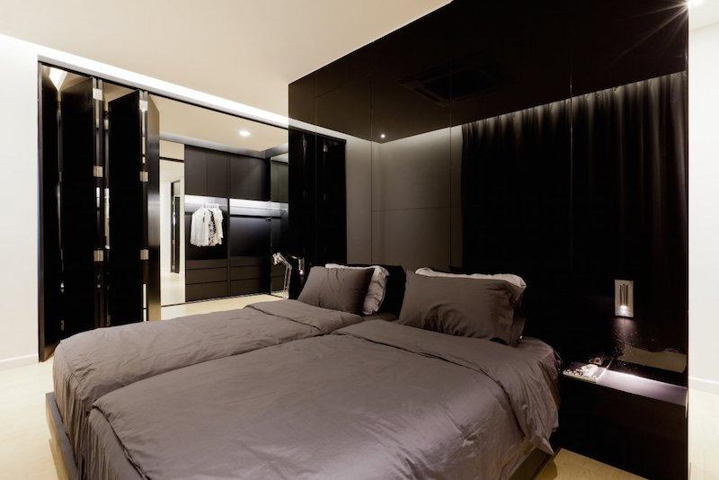 luksusta-ja-kiiltoa-sisustus-makuuhuone-musta