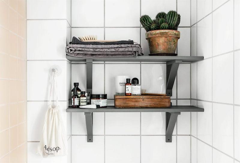 luonnetta-vahissa-nelioissa-kylpyhuone