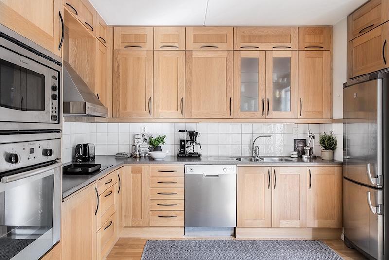 nayttava-kattohuoneisto-keittio