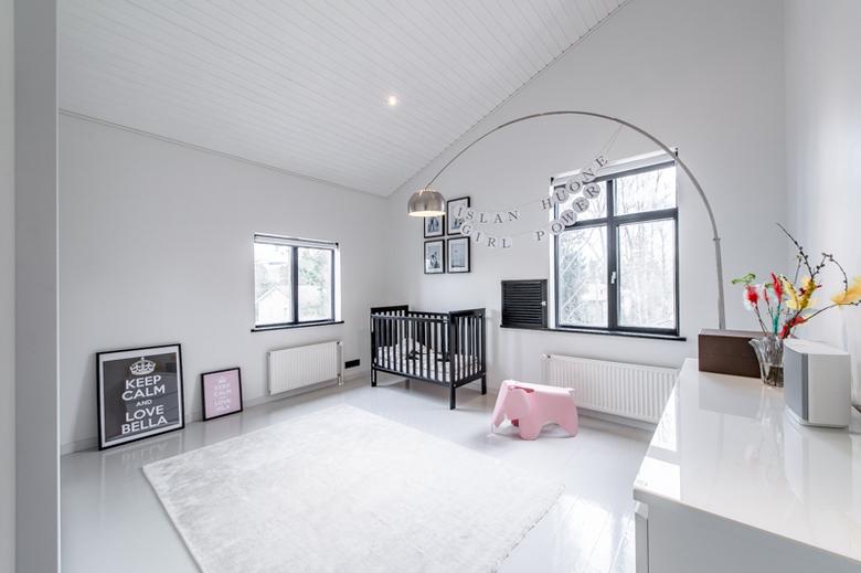 valoisaa-tyylia-lastenhuone