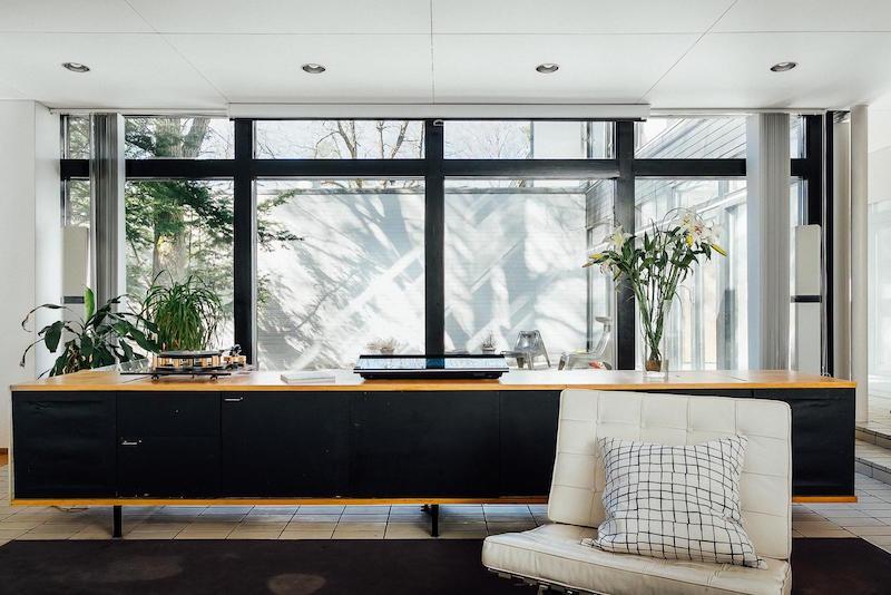 arkkitehturia-ja-elegantti-sisustus-kalusteet