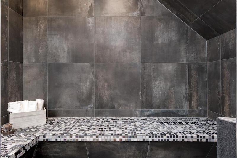 elegantti-sisustus-kattohuoneisto-kylpyhuone