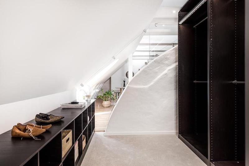 elegantti-sisustus-kattohuoneisto-pukeutumistila