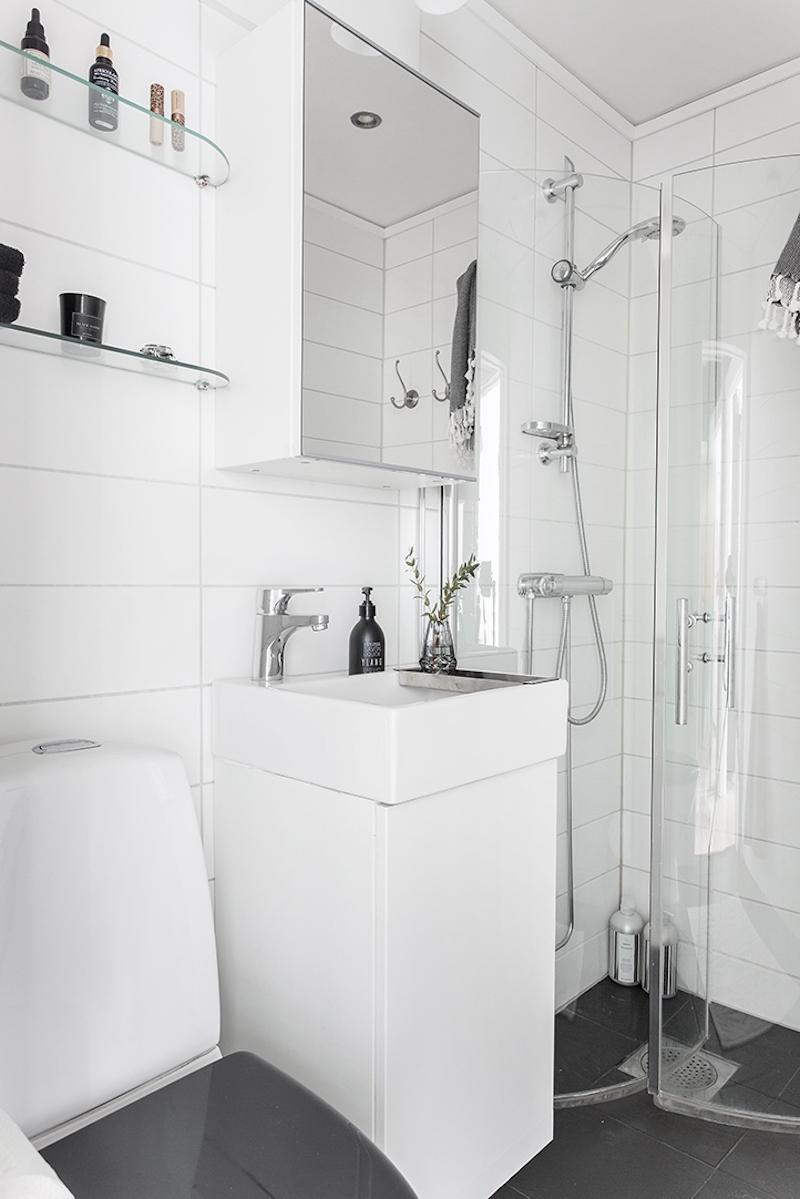 kaksion-sisustus-kylpyhuone-valkoinen
