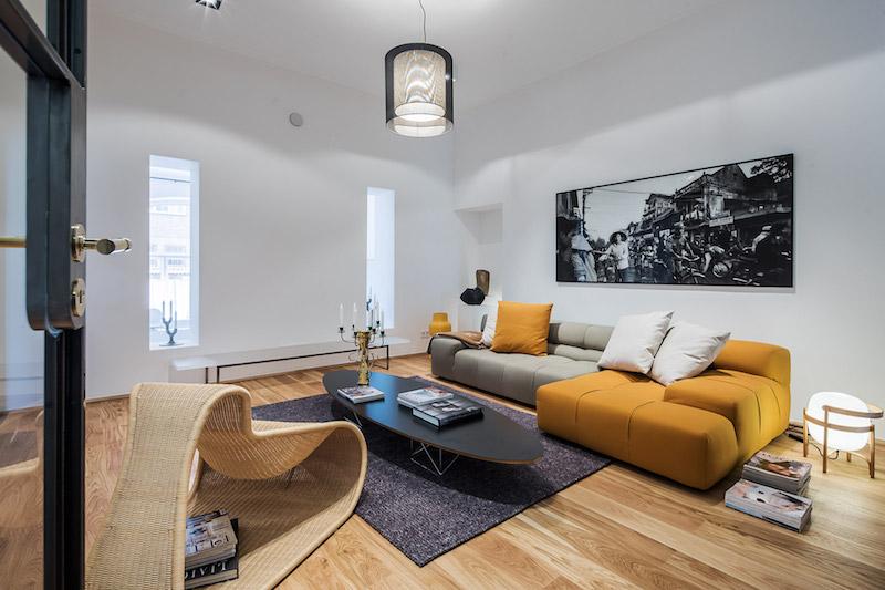 kolmio-sisustus-olohuone-keltainen