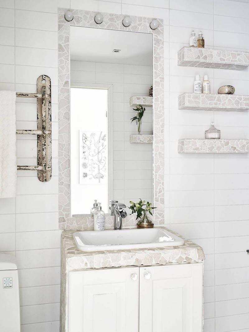 kylpyhuone-sisustus-vaalea-kivi