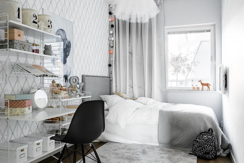mustavalkoista-graafisuutta-makuuhuone-lapsille
