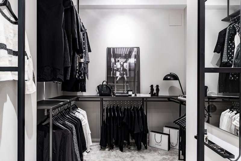 mustavalkoista-graafisuutta-pukeutumistila