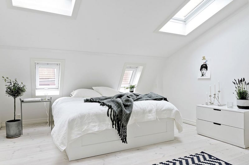 raikas-sisustus-makuuhuone-valkoinen