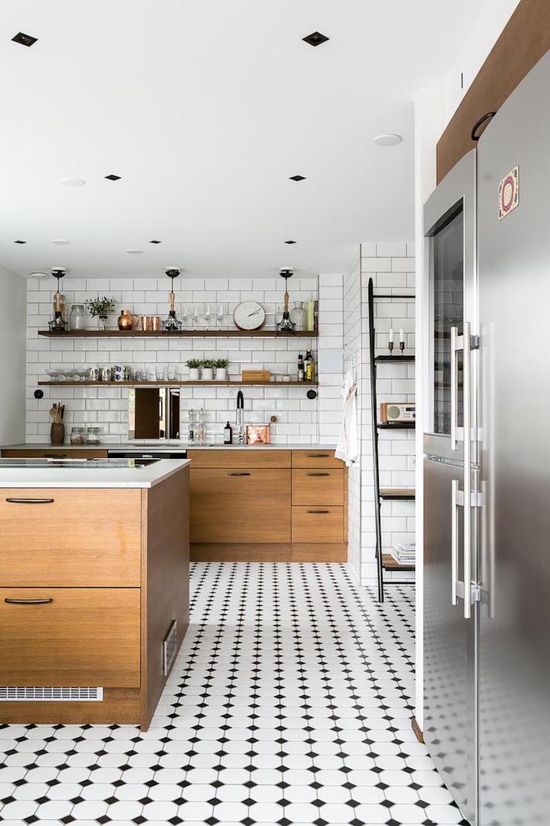 sisustus-puu-valkoinen-keittio