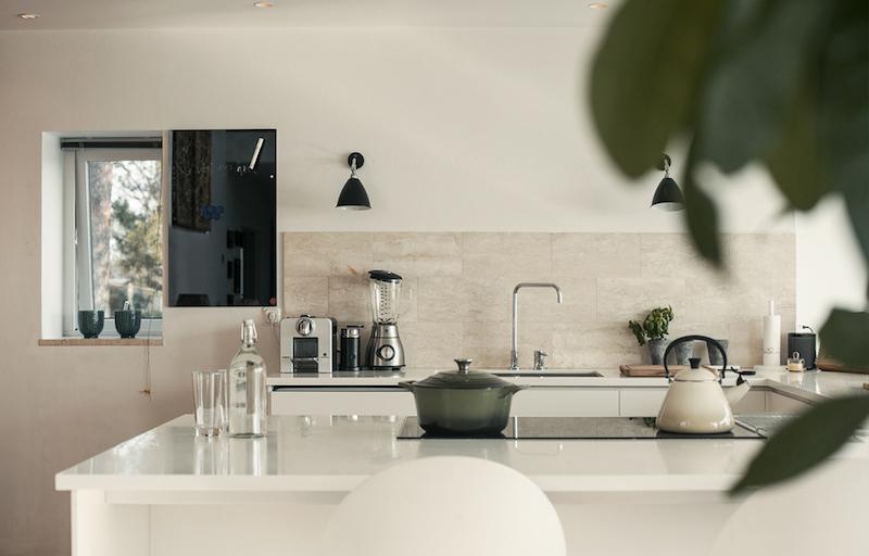 talo-merimaisemia-keittio-pelkistetty
