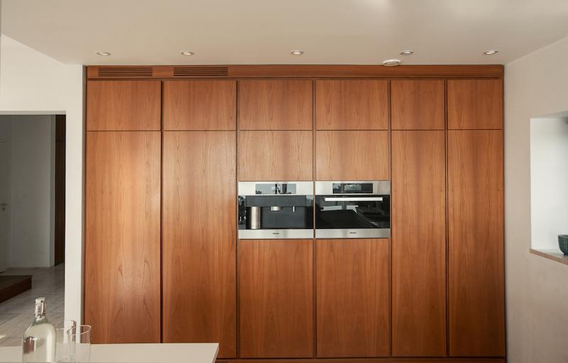talo-merimaisemia-keittiokaapit