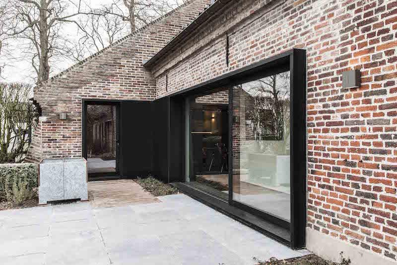 terassiovet-maalaistalo-juma-architects