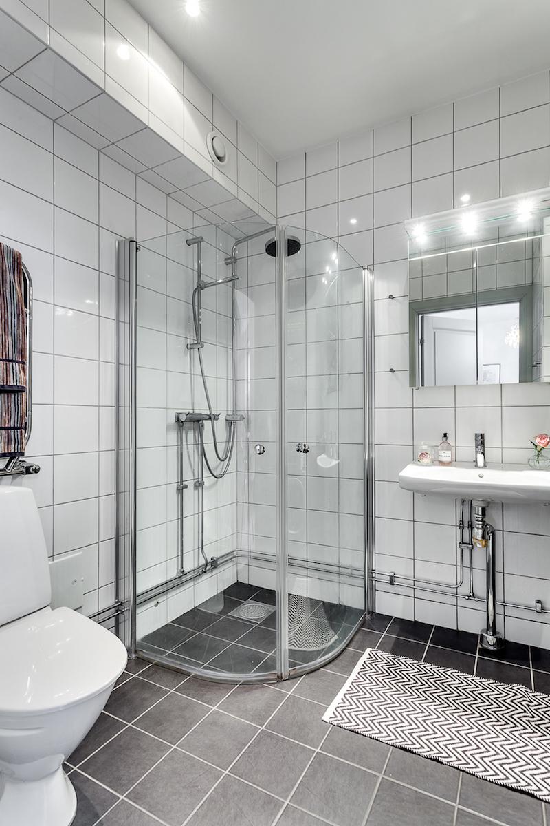 kaksio-kahdessa-kerroksessa-kylpyhuone
