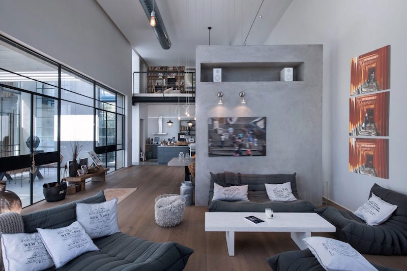 loft-tyylia-tel-aviv-olohuone-sohvat