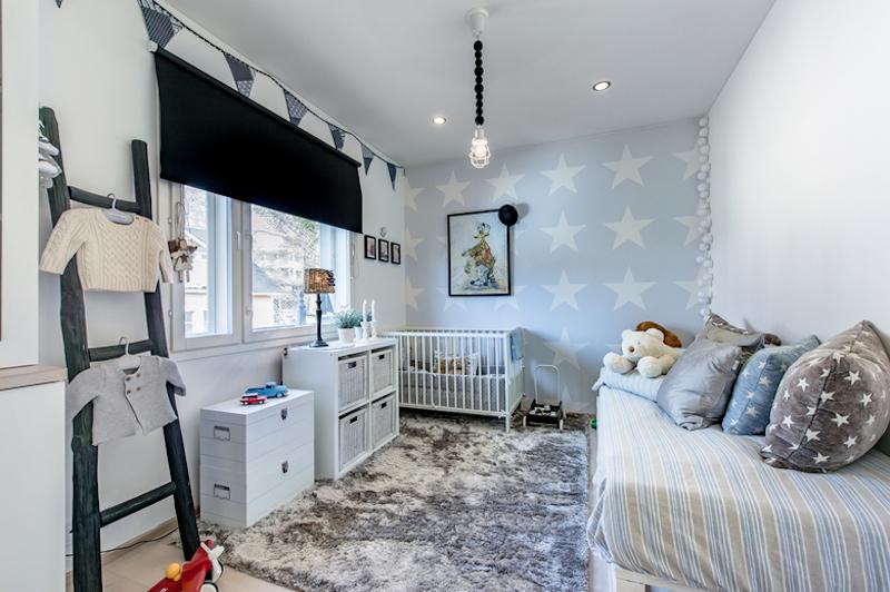 mustavalkoista-design-lastenhuone-tahdet
