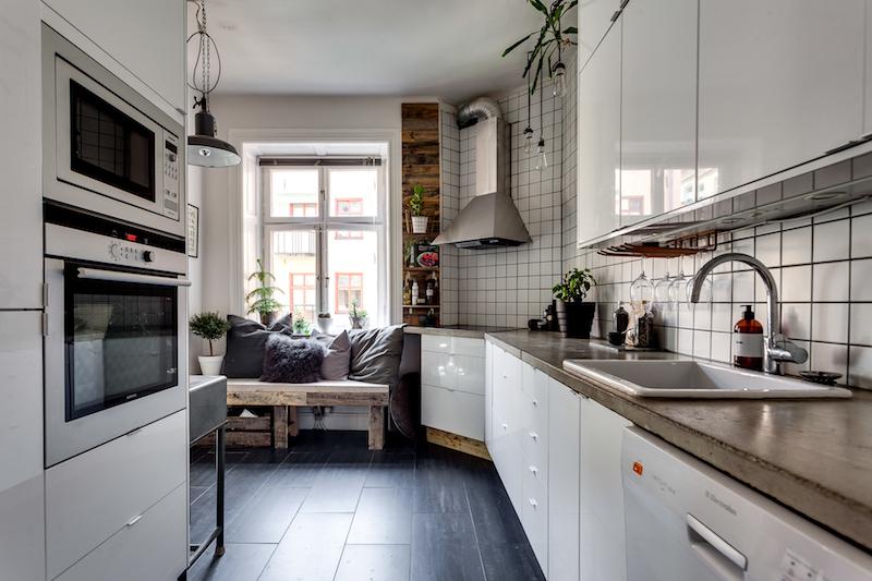 teollista-mustaa-sisustukseen-keittio