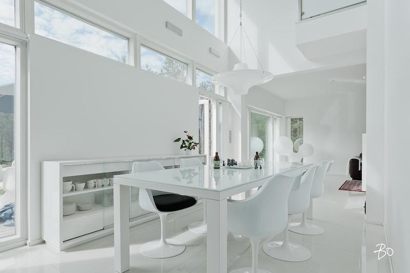 valkoinen-koti-ruokailutila