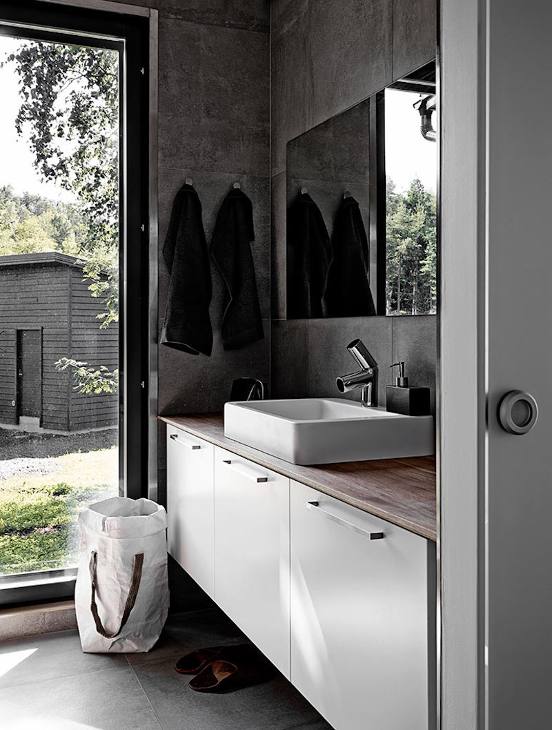 kannustalo-harmaja-willa-aawa-kylpyhuone