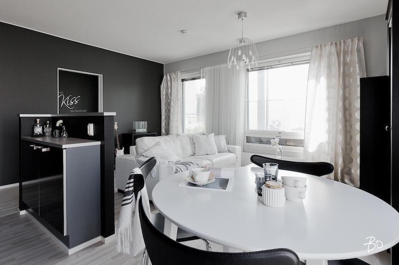 moderni-koti-mustavalkoinen-olohuone