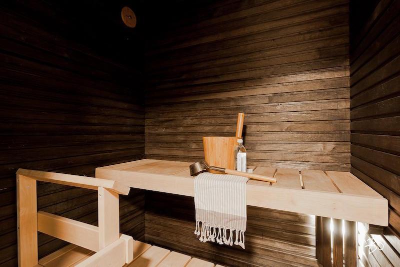 moderni-koti-mustavalkoinen-sauna