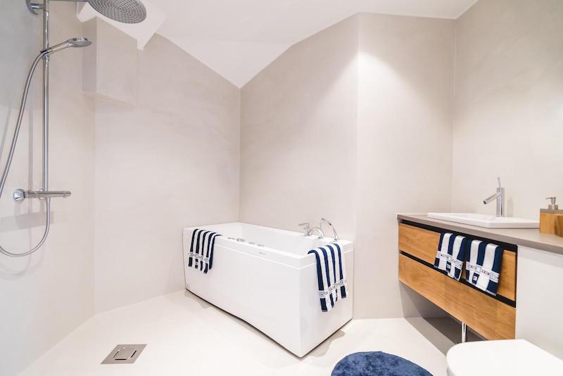 ullakkohuoneisto-design-kylpyhuone
