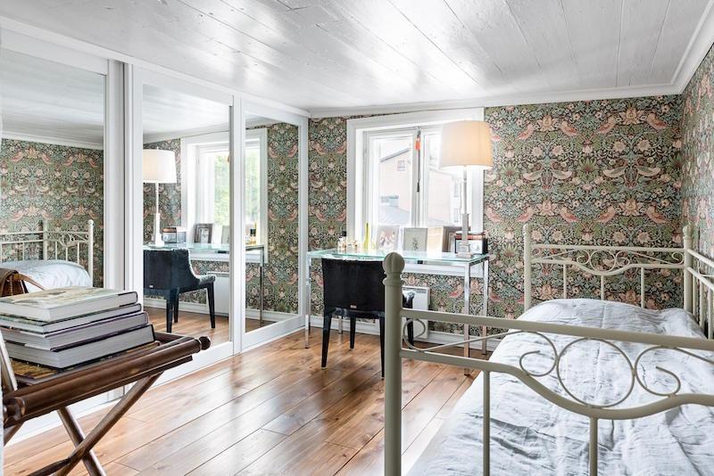 vanha-puutalo-makuuhuone
