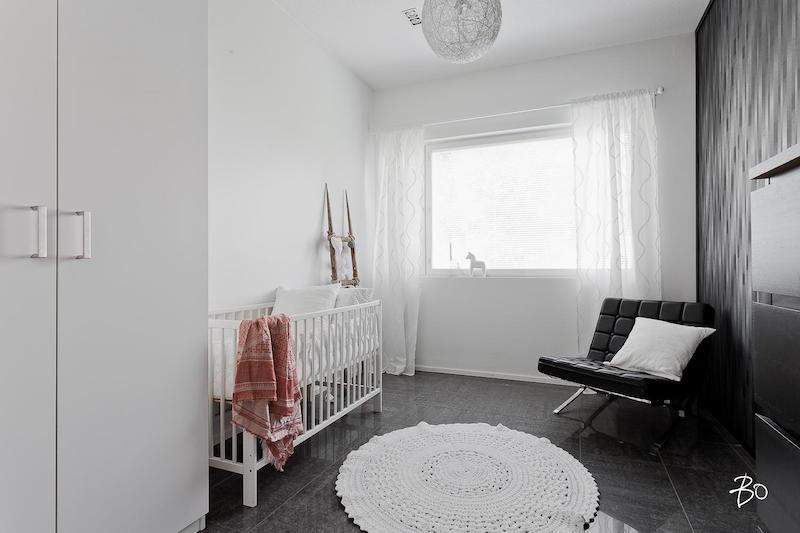 tyylikas-sisustus-nelioita-lastenhuone