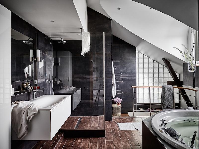 ylellinen-kattohuoneisto-kylpyhuone