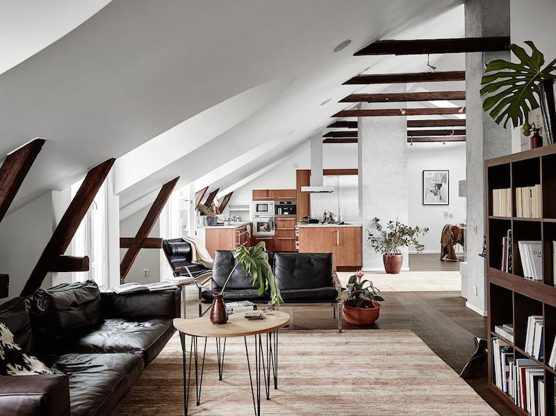 ylellinen-kattohuoneisto-olohuone