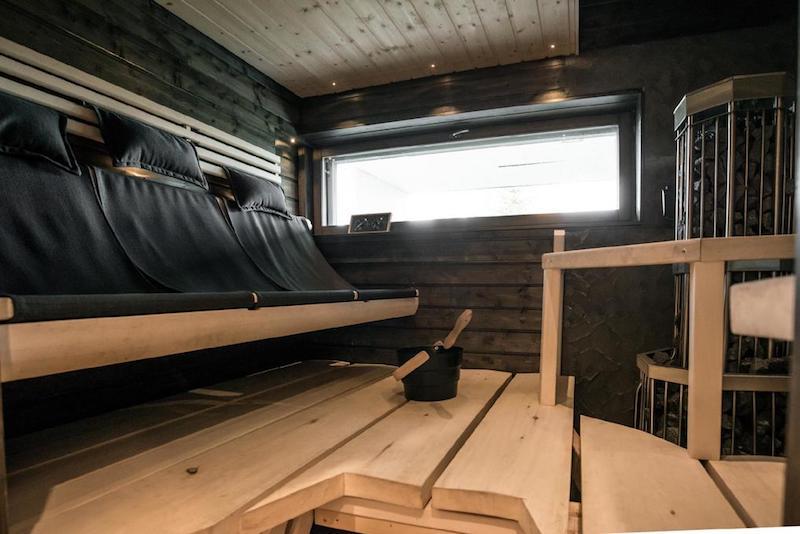 kivitalo-valkoinen-sauna